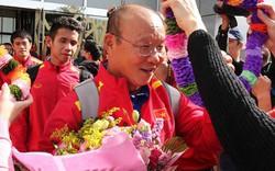 Clip: CĐV Việt Nam hát chúc mừng sinh nhật 60 tuổi của HLV Park Hang-seo