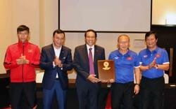 Đại sứ Việt Nam tại UAE thăm và động viên thầy trò HLV Park Hang-seo