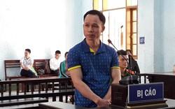 Thầy giáo lãnh 8 năm tù vì hiếp dâm học sinh