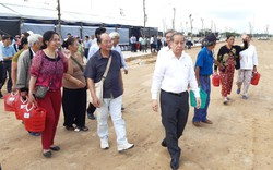 Cùng Chủ tịch tỉnh đi xem nơi ở mới, người dân vui mừng sắp thoát cảnh