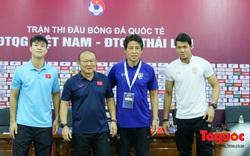 Chùm ảnh: Họp báo trước trận Việt Nam vs Thái Lan: Thầy Park tiết lộ tin động trời khiến người Thái tái mặt