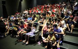 Khán giả Vũng Tàu xếp hàng dài xem phim ở tuần liên hoan phim Việt Nam lần thứ XXI
