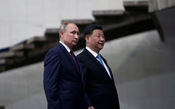 Nhà ngoại giao Trung Quốc đồng tình với Tổng thống Putin về đòn hạn chế Mỹ vào Nga- Trung