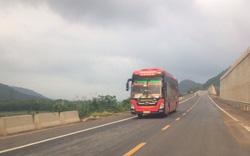 Né trạm BOT ở Huế, hàng trăm lượt xe bất chấp biển cấm chạy vào đường cao tốc đang thi công