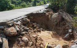 Đường lên bán đảo Sơn Trà xuất hiện nhiều điểm sạt lở