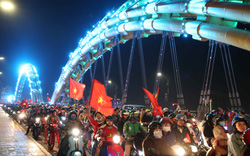 Nhiều tuyến đường trung tâm Đà Nẵng kẹt cứng người mừng chiến thắng của U22 Việt Nam