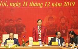 HLV Mai Đức Chung xúc động vì được Thủ tướng chờ để chúc mừng thành công đội tuyển bóng đá nam và nữ