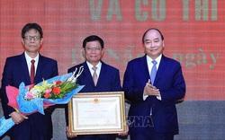 Thủ tướng Nguyễn Xuân Phúc trao Huân chương Lao động hạng Nhất cho Học viện Chính trị khu vực III