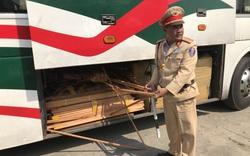 Thừa Thiên Huế: Tài xế chở nhiều hàng lậu nhấn ga bỏ chạy khi gặp công an