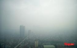 Sương mờ ô nhiễm nuốt trọn các tòa nhà cao tầng tại Hà Nội