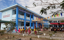 Học sinh vùng rốn lũ Thừa Thiên Huế có trường học mới kiêm chỗ phòng tránh thiên tai