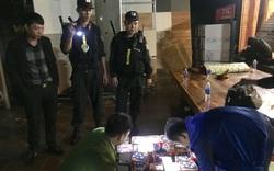 Quảng Bình: Hai cha con cùng buôn bán pháo trái phép, một giám đốc bị bắt