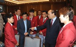 """Thủ tướng Nguyễn Xuân Phúc: """"Hình ảnh lá cờ đỏ sao vàng được kéo lên tại SEA Games đã mang lại một niềm xúc động, cảm xúc mạnh mẽ"""""""