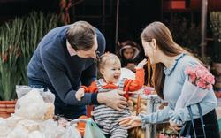 Lan Phương và chồng ngoại quốc rủ nhau khám phá chợ Tết