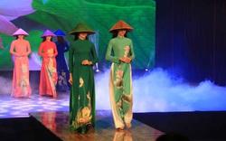 """Giới thiệu văn hóa Việt với du khách quốc tế qua """"Áo dài Show"""""""
