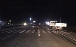3 thanh niên tử vong khi đâm vào xe tải dừng bên đường