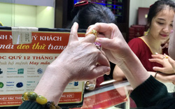 Ngày vía Thần Tài: Một người đi mua vàng cho cả công ty