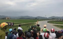 Phong tỏa nhiều tuyến đường bắt nhóm đối tượng dùng súng cố thủ trong xe