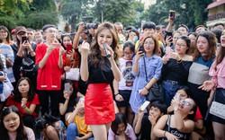 Phản ứng của Hương Tràm ra sao khi fan có hình xăm giống mình?