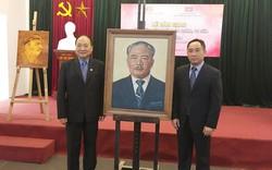 Việt Nam bàn giao 04 tác phẩm mỹ thuật bảo quản, tu sửa cho Lào
