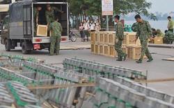 Hà Nội: Trận địa pháo hoa tại Hồ Tây đang tất bật chuẩn bị để chờ đón phút giây giao thừa