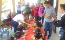 Tặng chuối già lùn cải thiện dinh dưỡng cho 4.400 trẻ em huyện miền núi Thừa Thiên Huế