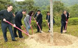 Phó Thủ tướng Vương Đình Huệ thăm khu Di tích Pác Pó