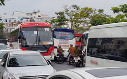 Đà Nẵng cho phép xe ô tô khách từ 16 chỗ trở lên được dừng xe tại quảng trường trước Nhà hát Trưng Vương không quá 10 phút