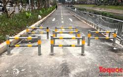 Làm cách này để xe máy hết cơ hội tranh giành không gian của người đi bộ và xe thô sơ ở đường ven sông Tô Lịch
