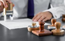 Bộ ngành đã quyết liệt cắt giảm giấy phép con chưa, hay một bộ phận sợ mất quyền lợi?