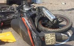 Xe máy va chạm xe công nông, một người tử vong