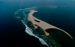 Ngành chức năng vào cuộc nghiên cứu hiện tượng đảo cát nổi lên giữa vùng biển Hội An