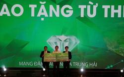 """Hàng tỷ đồng ủng hộ quỹ từ thiện Đà Nẵng trong """"Đêm đại nhạc hội và ra mắt phân khu Diamond Palace"""""""