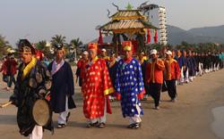 Nhiều hoạt động đặc sắc lễ hội miền biển Sơn Trà