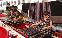 Thực hiện bảo tồn Nghề dệt thổ cẩm truyền thống của người Hrê