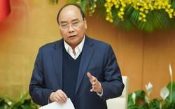 """Thủ tướng Nguyễn Xuân Phúc:  Làm sao không để tình trạng """"chạy qua chạy lại, xin cho, quy định không rõ ràng để người dân kêu ca, phải xếp hàng chờ đợi."""