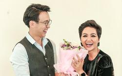 MC Quang Bảo gửi lời nhắn nhủ xúc động đến mẹ, thể hiện hành động ga lăng với với H'Hen Niê dịp 8/3