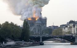 Đám cháy đã phá hủy Nhà thờ Đức Bà ở Paris: Nơi đây từng là biểu tượng của sự bình yên của cả nước Pháp
