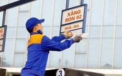 Giá xăng tăng vọt lên lên mức cao