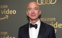 Bị người quen bán tin ngoại tình cho báo lá cải, tỷ phú Jeff Bezos vẫn kiếm 8 tỷ USD tuần qua