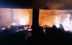 Nghệ An: Cháy chợ lúc nửa đêm, nhiều người hoảng loạn