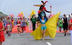 Bờ biển Bãi Cháy sôi động tưng bừng với màn diễu hành Carnaval dịp nghỉ lễ 30-4, 1-5