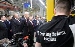 Toàn cảnh Tổng thống Putin thân chinh nhà máy xe sang Mercedes-Benz
