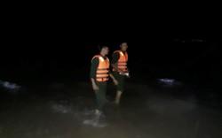Cứu 2 nữ sinh gặp nạn, nam thanh niên bị sóng cuốn mất tích