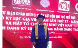 """Ông chủ Tập đoàn Mường Thanh """"lão điếu cày"""" nhận bằng cử nhân đại học ở tuổi 73"""
