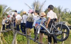 Chung tay xây cầu đến lớp cho trẻ em các vùng khó khăn