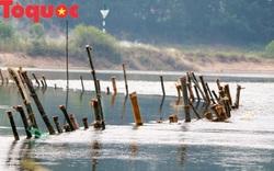 """Bi hài chuyện người dân dàn trận """"Bạch Đằng giang"""" chống cát tặc trên sông Bồ"""