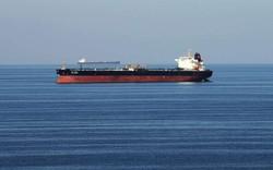 Hai tàu dầu bị tấn công gần eo biển Hormuz: Nguy cơ châm ngòi