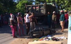 Mẹ tử vong, 2 con bị thương nặng sau va chạm xe máy với xe tải