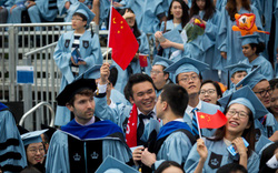 Du học sinh Trung Quốc tại Mỹ đang chịu đựng